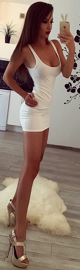 thick thighed woman porn